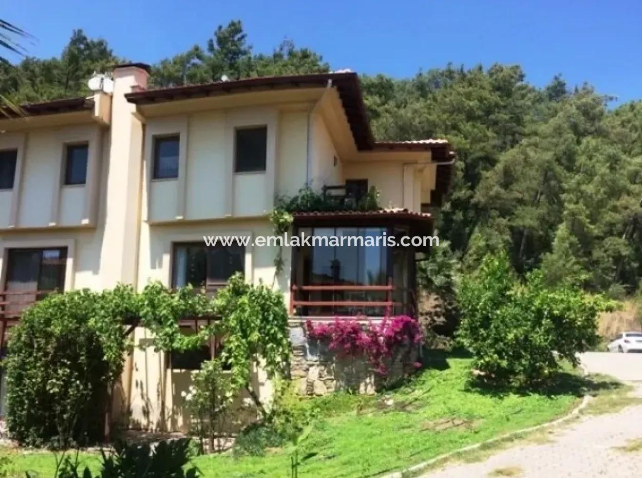 Freistehende Villa Mit Garten Zum Verkauf In Ula Muğla Bezirk Sultanahmet-Viertel Zweibettzimmer
