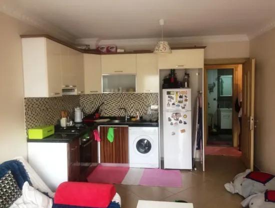 Im Zentrum Von Marmaris Immobilien Zum Verkauf-Wohnung 2 Zimmer-1 Wohnzimmer