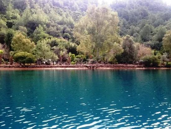 15000M2 Grundstück In Der Wasser Zum Verkauf Am Meer In Der Bucht Von Marmaris