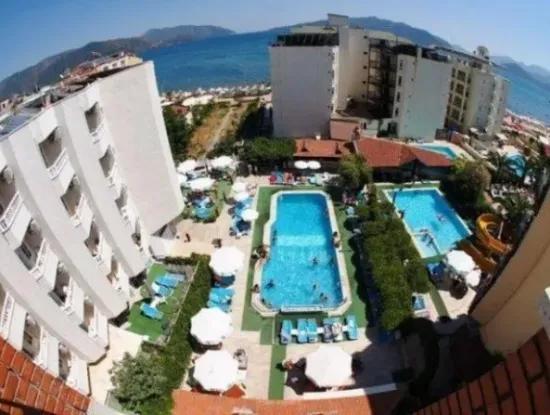 50 Zimmer-Hotel Zum Verkauf In Marmaris Zentrum