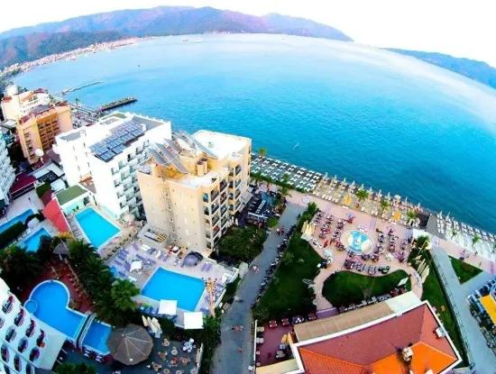 100 Room Hotel With Pool In The Centre Of Marmaris For Sale