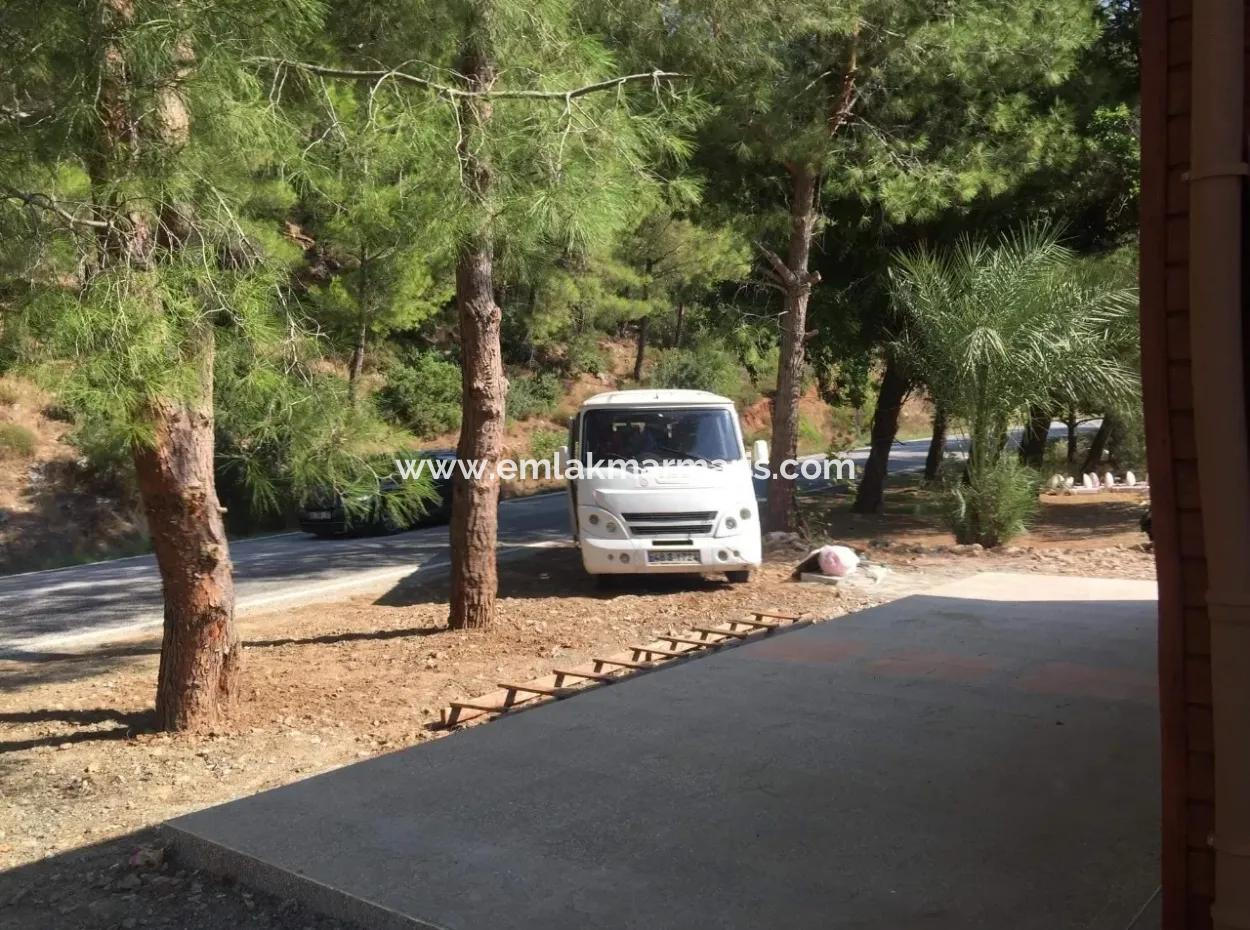Turgut Köyünde Cadde Üzeri Satılık Hem İşyeri Hem 1 Oda 1 Salon Satılık Daire