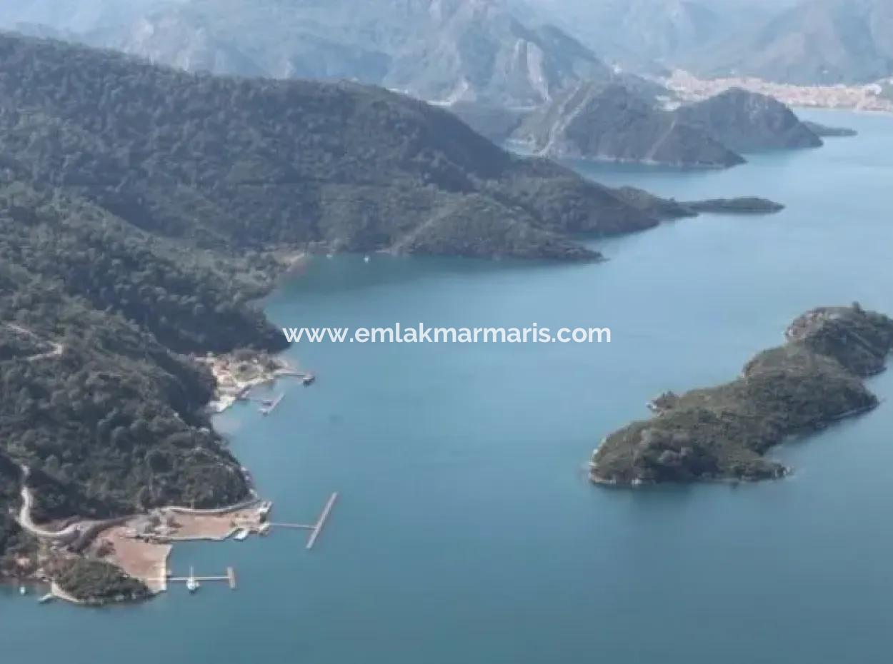 Marmaris Körfezi İçerisinde Denize Sıfır Satılık Yalı 15000M2 Arsa İçerisinde