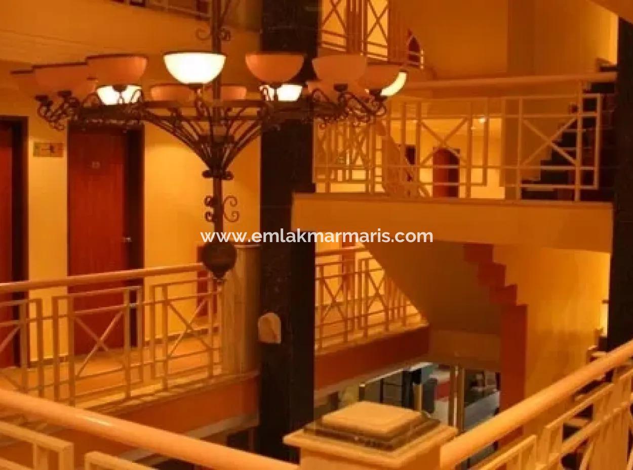 Marmaris Merkezinde Denize Yakın Satılık 70 Oda Otel