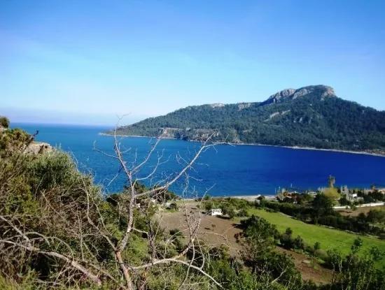 Kumlubük Koyunda Denize Yakın 5300 M2 Otel Yapımına Uygun Satılık Arsa