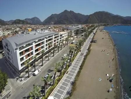Marmaris Merkezinde Denize Sıfır 2 Oda 1 Salon Yalı Dairesi Residence Konut Satılık