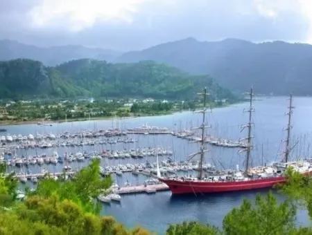 Marmaris Orhaniye Köyünde Denize Sıfır 3500M2 Turizm Yatırımı İçin Uygun Arsamız Satılıktır.