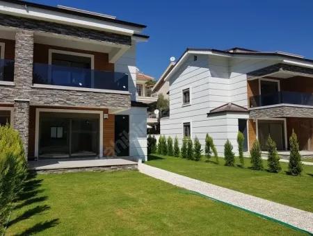 Marmaris Armutalan Mevkii Sıfır İkiz Villa Satılık 5 Oda 1 Salon Bahçeli