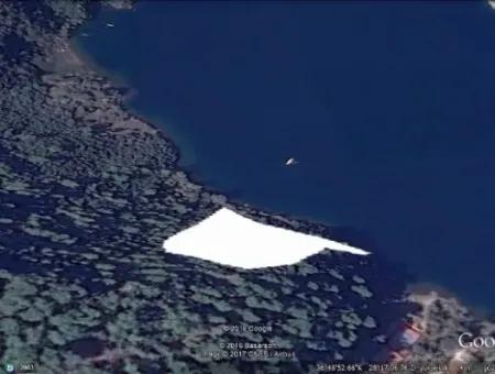 Marmaris Körfezi İçerisinde Denize Sıfır Satılık Arsa 15000M2