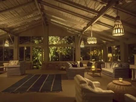 Marmaris,Den 20 Km Uzaklıkta Denize Sıfır Satılık Butik Otel 20 Oda