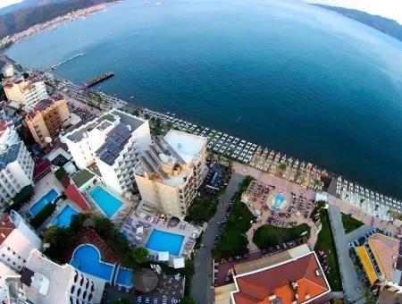 Marmaris Merkezinde 100 Oda Satılık  Havuzlu Otel